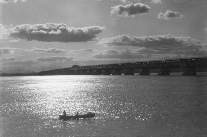 en amont du pont victoria , 1918 ,photo je white,(env. p. 5 copie) copie